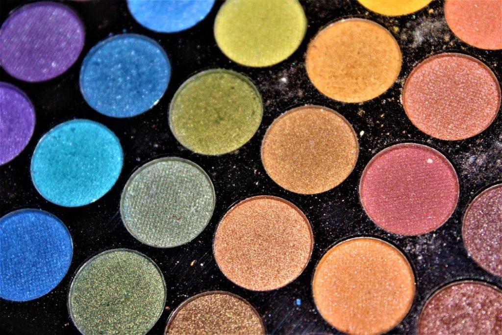 7 причин не покупать дешевые тени для век